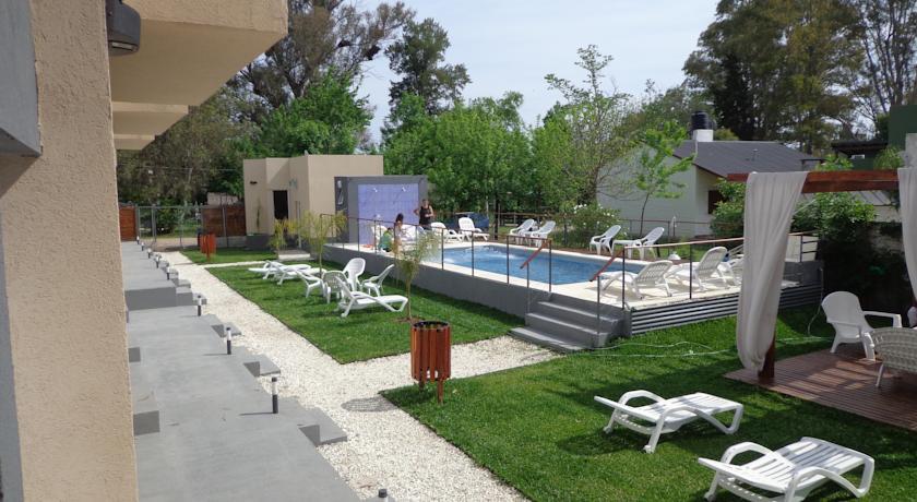 Si est s buscando un alojamiento independiente en las for Follando en la piscina gay
